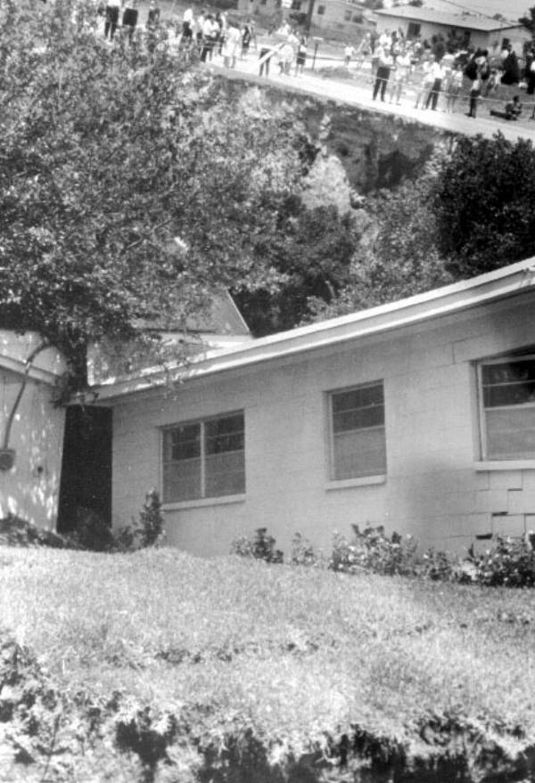 PHOTO: State Archives of Florida /House which has fallen into the sinkhole 1963