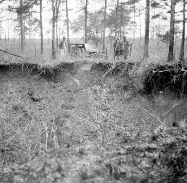 PHOTO: State Archives of Florida /Sinkhole on the Beadel property north of Lake Iamonia Leon County, Florida by Calver, James L. 1949